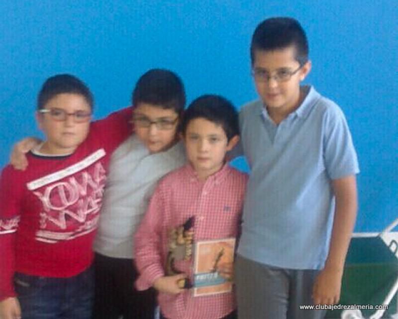 Alfredo campeón sub 10 en el Torneo de Ajedrez Escolar del colegio Saladares