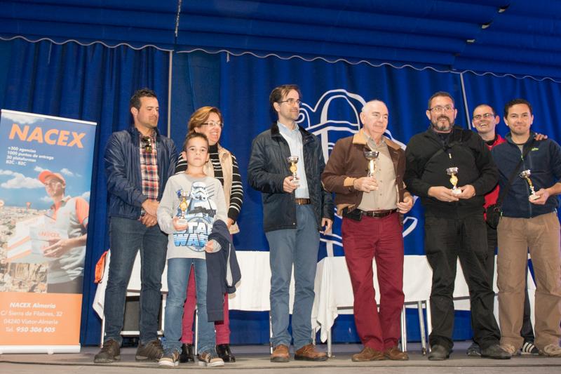 Manuel Dominguez se lleva el trofeo de campeón en Dalías