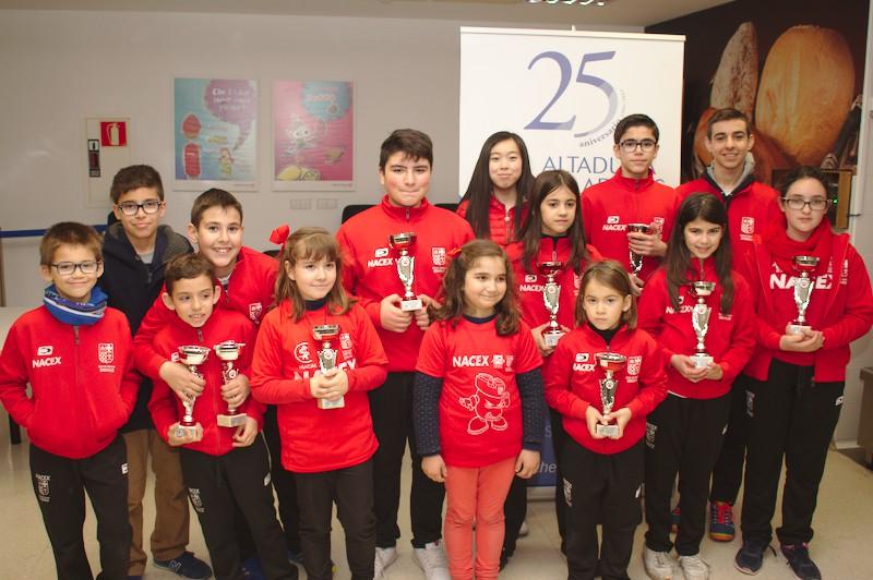 10 trofeos y 11 becas en el Campeonato Provincial de menores